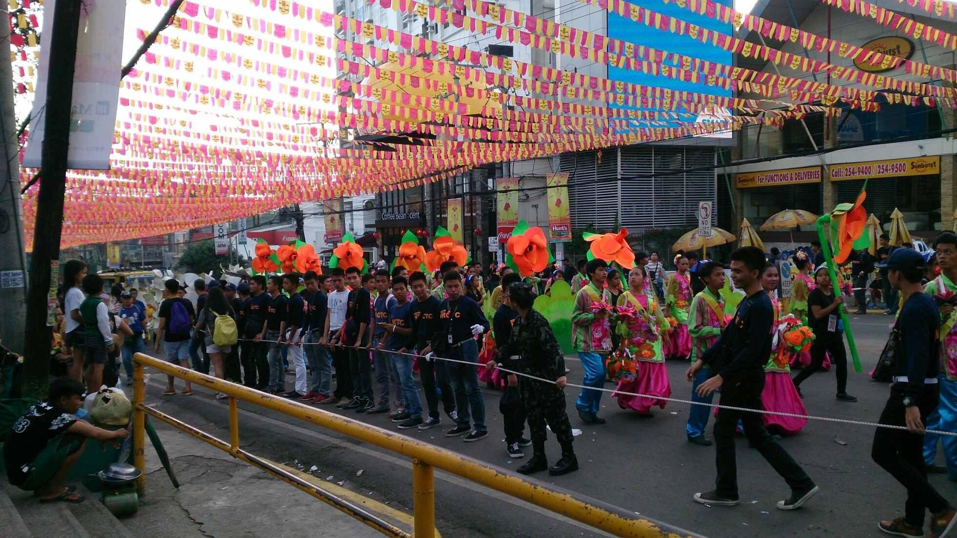 フィリピン・セブ島 シノログ祭