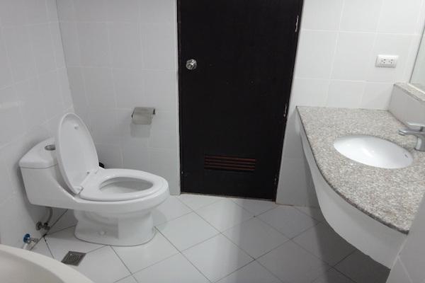 セブ社会人留学学校詳細 BlueOceanAcademyバスルーム
